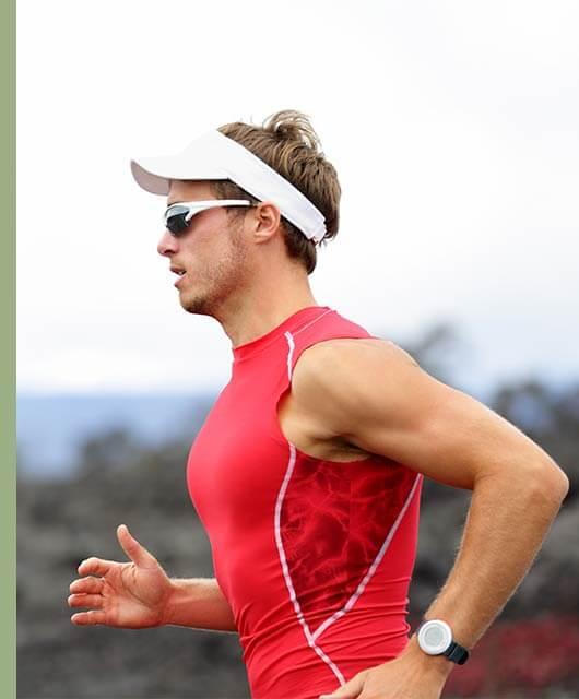 De una manera fácil y sencilla, protege tus ojos de los agentes externos que pueden provocar traumatismos, irritación o molestia mientras practicas deporte.