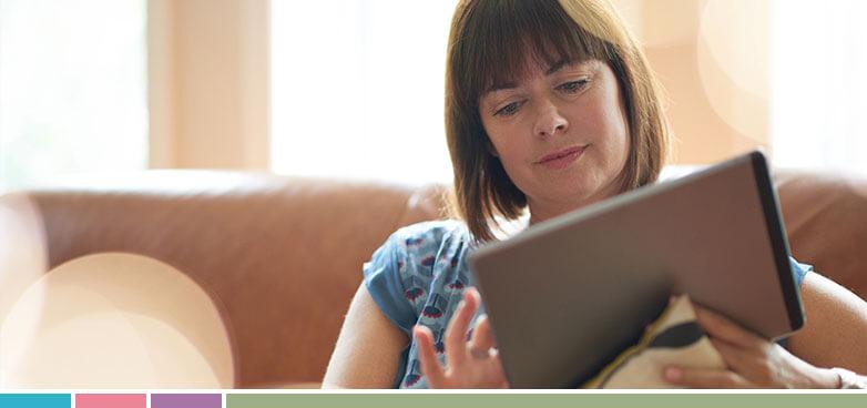 Los e-books permiten al lector aumentar su experiencia visual, pero producen fatiga ocular. Siguiendo nuestras recomendaciones, podrás disfrutarlos allá donde el verano te lleve.