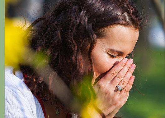 Cómo afecta el polen a los ojos